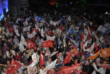 AK Parti Zaferini Kutladı