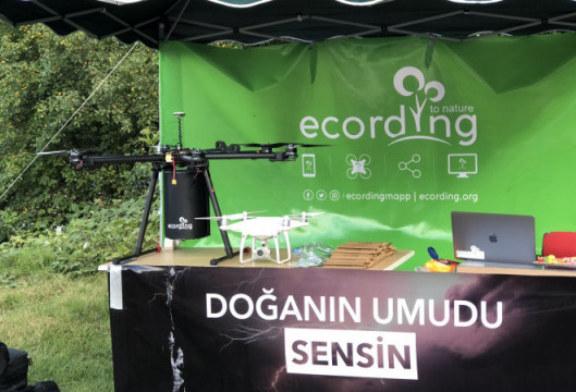 Hemşehrimiz Mühendis Mert Karslıoğlu Geliştirdiği Proje ile Artvin'i Gururlandırdı Hemşehrimiz Mühendis Mert Karslıoğlu'ndan Yeşil Proje: Tohum Atan Drone
