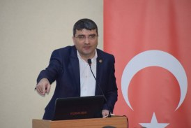 Demokrasi Basınla, Basın Demokrasiyle Güç Kazanır Eğitim-Bir-Sen Artvin Şube Başkanı İbrahim İnce'nin 10 Ocak Çalışan Gazeteciler Günü Basın Açıklaması Yayınladı.