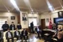 BAYRAKTUTAN BİR GÜNE İKİ İLÇE ZİYARETİ SIĞDIRDI CHP YDK Başkanı ve Artvin Milletvekili Uğur Bayraktutan Hopa ve Kemalpaşa'da bir dizi ziyaretlerde bulundu.